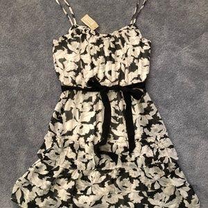 American Eagle Mini Black & White Floral Dress (Si